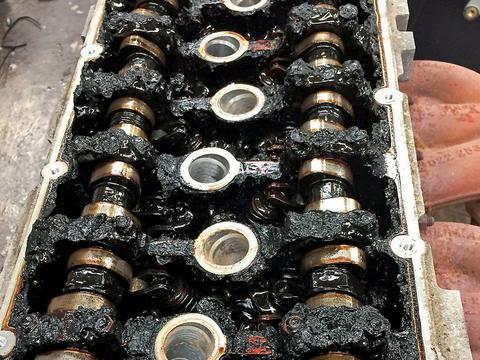 Zdjęcie do artykułu: Oleje Long Life - nie ma olejów wytrzymujących 30 tys. km!