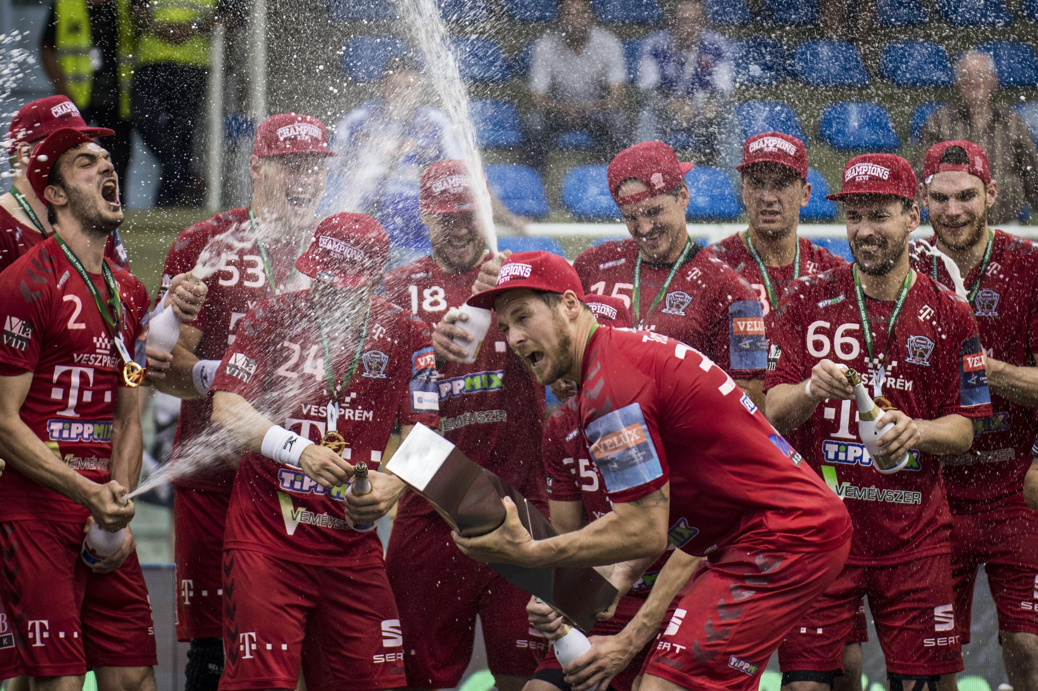 """c426284040 """"Hittek bennem az első naptól kezdve"""" – Így hálálkodott játékosainak a  magyar bajnok Telekom Veszprém trénere - Blikk.hu"""