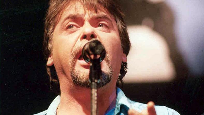 71 évesen hunyt el a legendás énekes