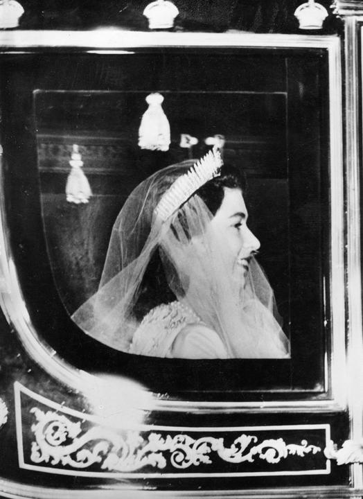 II. Erzsébet szerelemből házasodott, sugárzott rajta a boldogság / Fotó: NorthFoto