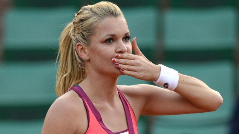 Agnieszka Radwa�ska po zwyci�skim pojedynku z An� Ivanovic podczas French Tennis Open