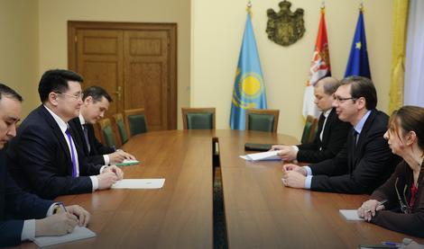 Aleksandar Vučić i ambasador Kazahstana tokom današnje sastanka