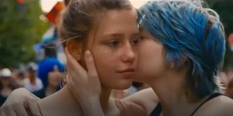 "Adel Eksarčopulos i Lea Sejduks u filmu ""Plavo je najtoplija boja"""