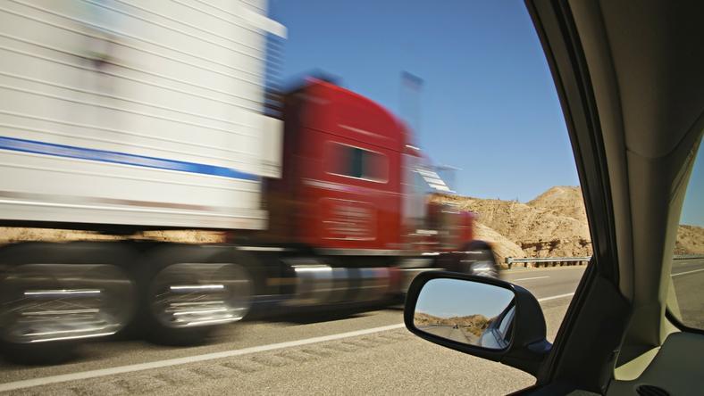 Ne lepődjünk meg, ha a közeljövőben sofőr nélkül húz el mellettünk egy kamion. /Fotó: Northfoto