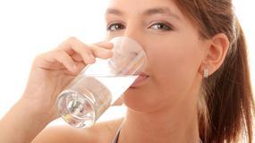 9 ważnych powodów zdrowotnych, dla których warto pić wodę