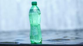 Woda butelkowana czy wodociągowa - którą wybrać?