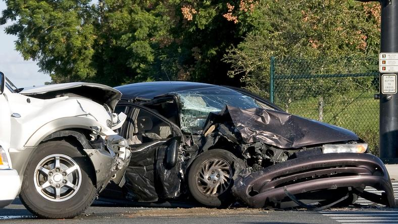 A 37-es úton két személyautó ütközött, egy ember meghalt /Fotó: Northfoto - illusztráció