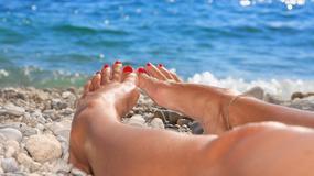 Jak latem dbać o stopy - praktyczne wskazówki