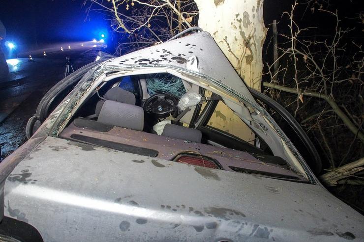 Az elhagyatott úton, Kisizsáknál történt a tragédia /Fotó: MTI/Donka Ferenc
