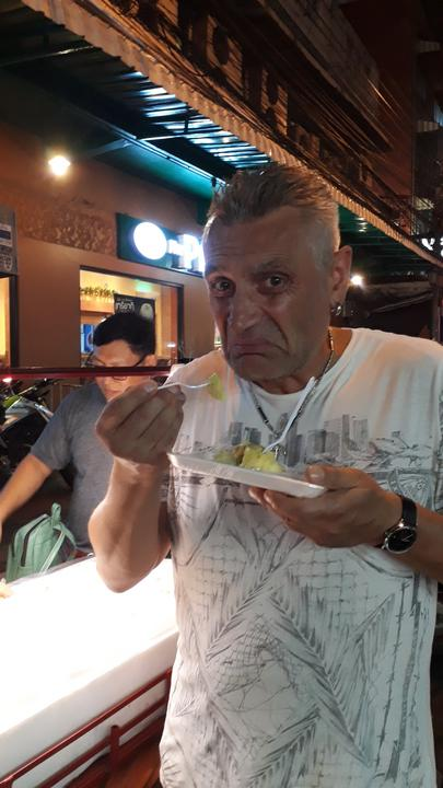Peti tesztelte, drága és büdös a durián, ráadásul utána állítólag alkoholt sem lehet inni