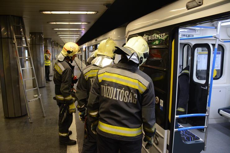 Gázolt a metró a Corvin-negyed állomáson / Fotó: Schultz László tű.ftörm.FKI.