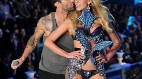 Adam Levine w towarzystwie pięknych modelek