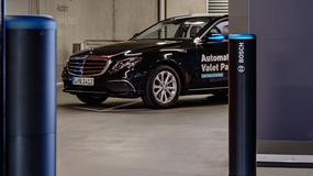 Mercedes-Benz zaprezentował bezobsługowe parkowanie. W projekcie pomógł Bosch