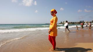 Wzrost sprzedaży burkini wśród kobiet innych wyznań