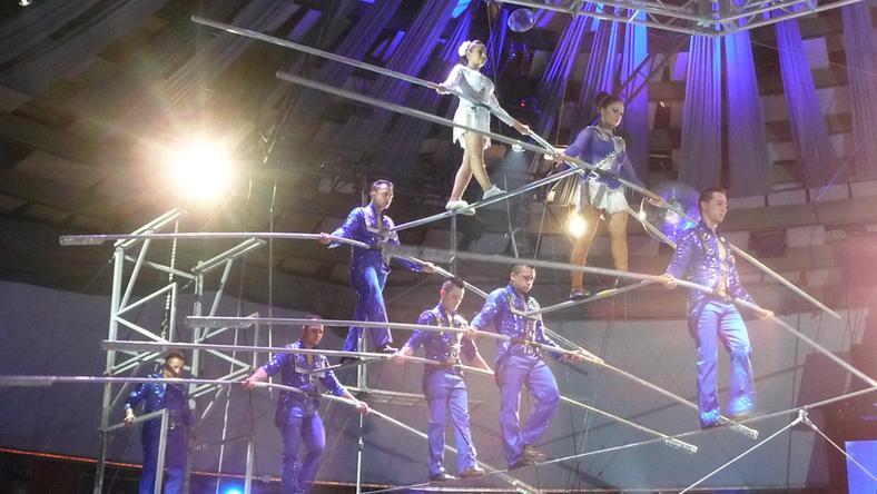 Életveszélyes cirkuszi mutatvány a jubileumi fesztiválon