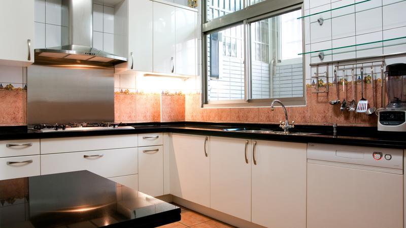 Jak urządzić małą kuchnię?  Zumi -> Kuchnie W Bloku Jak Urzadzic