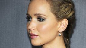 Jennifer Lawrence jak grzeczna uczennica i seksowna kocica...