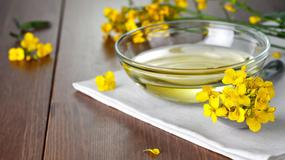 Olej rzepakowy - polecany bardziej niż oliwa