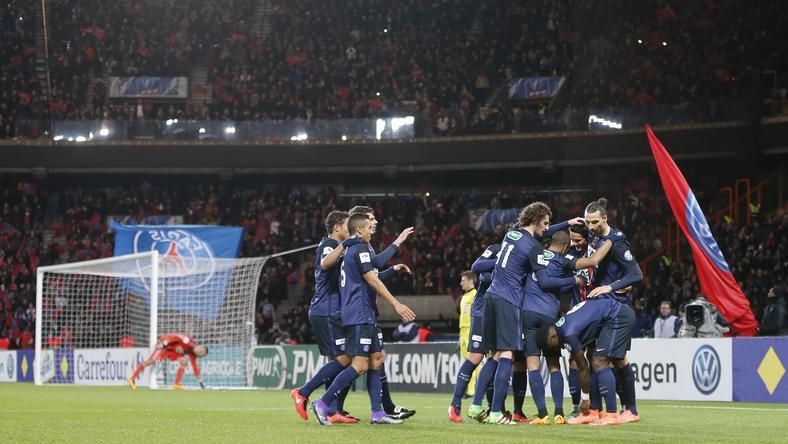 Ibrahimovicot kétszer is ünnepelhették a társak / Fotó: AFP