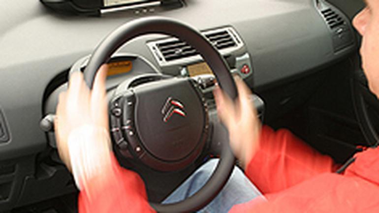 Jak zregenerować przekładnię kierowniczą - Precz z luzami!