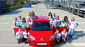 16 osób w Volkswagenie Up!