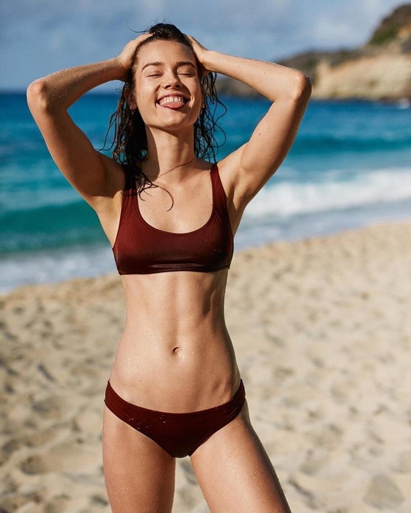 Monika Jagaciak w kampanii strojów kąpielowych