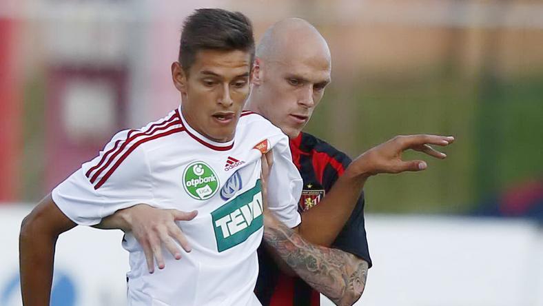 Balogh Norbert (fehérben) az olasz élvonalbeli Palermo futballistája lehet / Fotó: Pozsonyi Zita