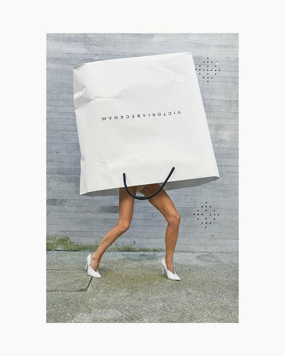 Victoria Beckham ezúttal igazán  kreatív fotózást álmodott meg/ Fotó: Profimedia Reddot