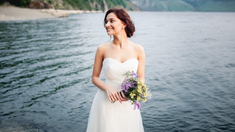 Esküvői ruha divat / Fotó: Shutterstock
