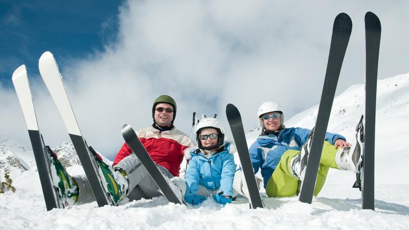 Cała rodzinka na nartach