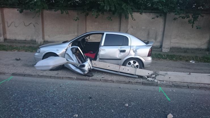 eddig tisztázatlan körülmények között három autó összeütközött Ferencvárosban./Fotó: Blikk