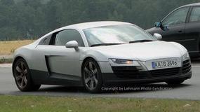 Zdjęcia szpiegowskie: Audi R8 stroi się do prezentacji