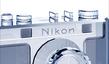 Replika pierwszego aparatu Nikona z kryształów Swarovskiego