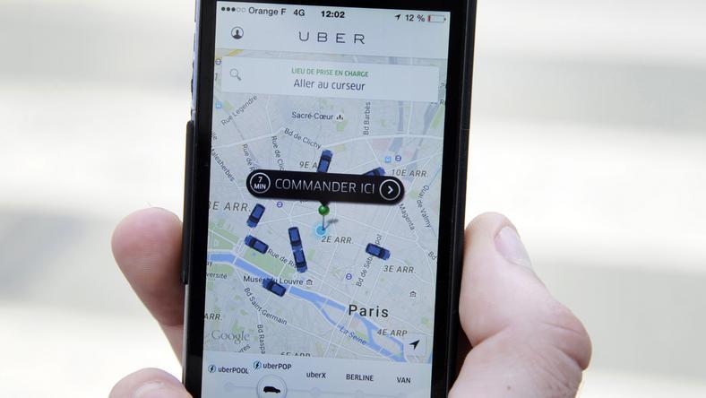 Az Uber-t be akarták tiltani a taxisok /Fotó: AFP