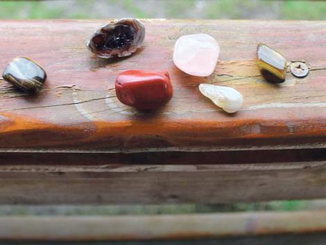 Drago kamenje izvire iz njiva
