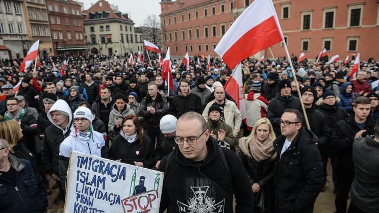 """Demonstracja przeciwko uchodźcom w Warszawie. """"To są najeźdźcy"""""""