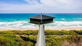"""The Pole House - niesamowity, """"szybujący"""" nad oceanem dom w Australii"""