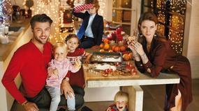 Karolina Malinowska i Oliver Janiak wraz z dziecmi w świątecznej sesji Apart