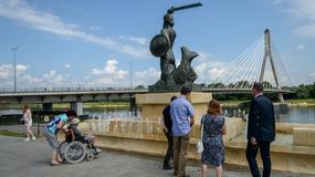 Fontanna przy pomniku Syrenki Warszawskiej już działa