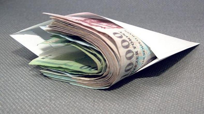 ahol pénzt kereshet egy nyugdíjas számára)