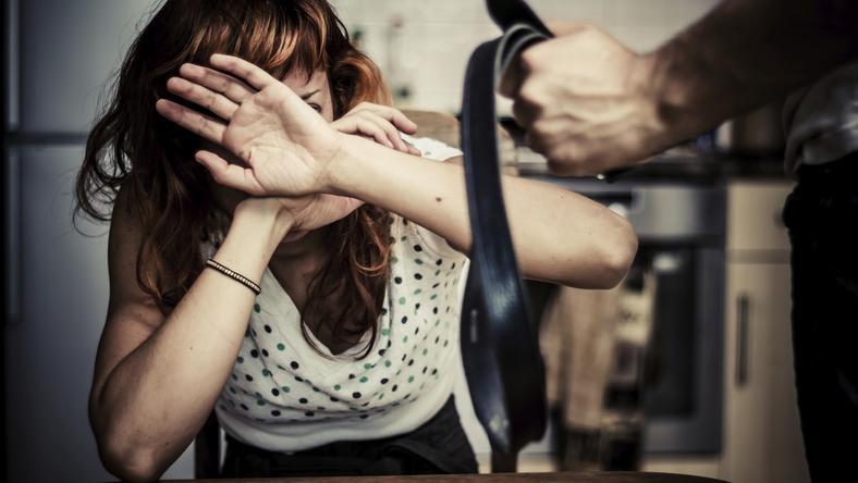 Talán hihetetlen, de a nők elleni erőszak a nyugati civilizációkban is probléma/Fotó-Thinkstock