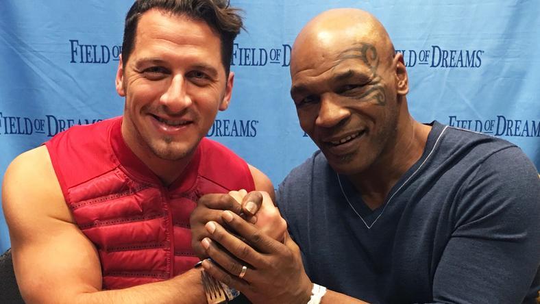 Csaba összehaverkodott a világhírű bokszlegendával, Mike Tysonnal, akivel még iszogattak is egy keveset