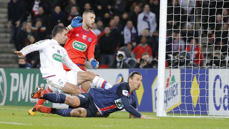 Ibrahimovic mellel szerezte a gólt /Fotó: AFP