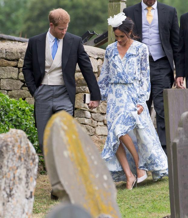 Az elesést úszta meg a hercegné, mert szoríthatta Harry kezét.