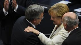 CBOS: Bronisław Komorowski i Angela Merkel politykami roku 2014