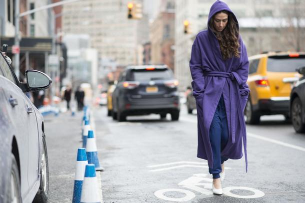 Must have: płaszcz wiązany w talii