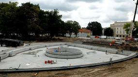 Powstają pierwsze alejki na placu Litewskim. Zobaczcie zdjęcia