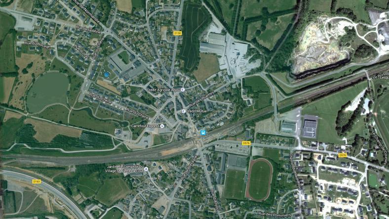 Ebben a francia faluban kapott szívrohamot az apuka /Forrás: Google Maps