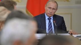 Putin przestrzegł przed pisaniem historii na nowo