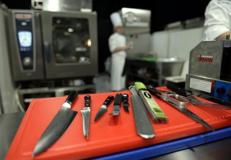 Konyhai eszközök a Bocuse d'Or nemzetközi szakácsverseny magyarországi döntőjében / Fotó: MTI-Kovács Tamás